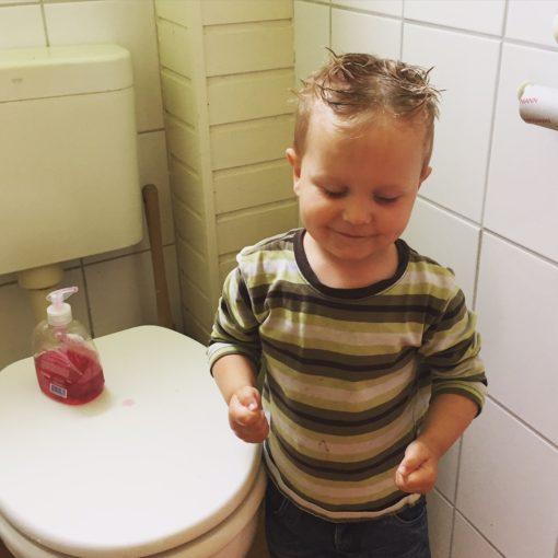 """""""Ich wasche mir die Hände.."""""""